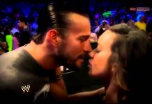 Top 10 Kisses of WWE